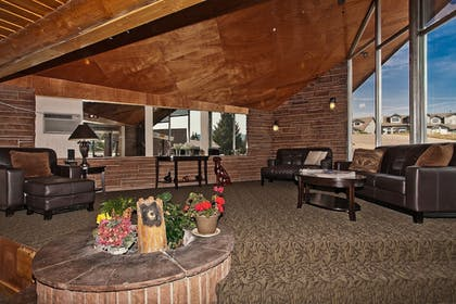 Lobby | Coyote Mountain Lodge