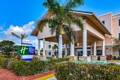 Exterior | Holiday Inn Express & Suites Lantana