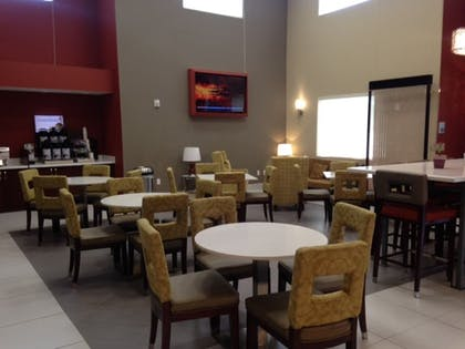 Restaurant | Holiday Inn Express & Suites Lantana