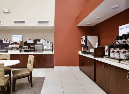 Buffet | Holiday Inn Express & Suites Lantana