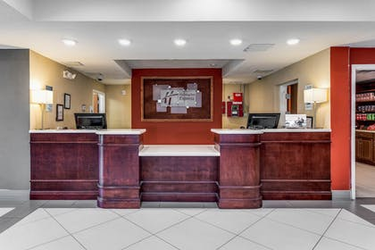 Reception | Holiday Inn Express & Suites Lantana