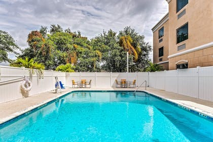 Pool | Holiday Inn Express & Suites Lantana