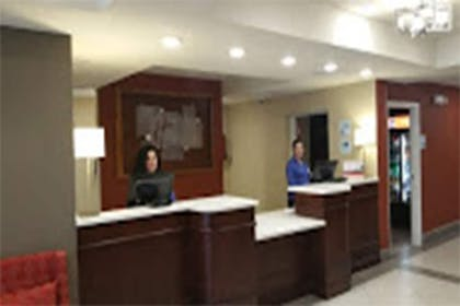 Lobby | Holiday Inn Express & Suites Lantana