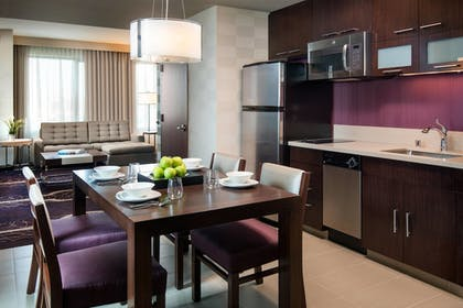 Guestroom | Residence Inn Los Angeles L.A. LIVE