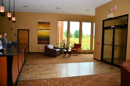 Interior Entrance | Cobblestone Inn & Suites - Newton