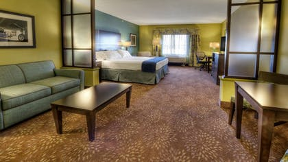 Guestroom | Holiday Inn Express & Suites Pittsburgh SW - Southpointe