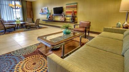 Lobby | Holiday Inn Express & Suites Pittsburgh SW - Southpointe