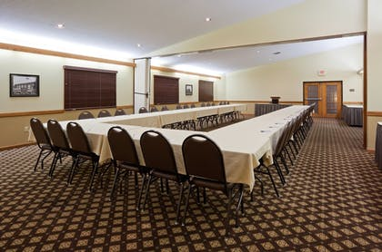 Meeting Facility | AmericInn by Wyndham Fergus Falls - Conference Center