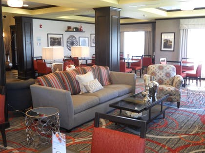 Lobby | Holiday Inn Express & Suites Greensburg