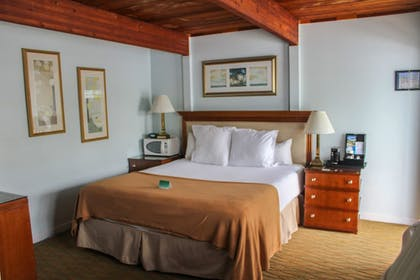 Guestroom | Rhumcay Beach Resort