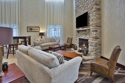 Lobby | Holiday Inn Express & Suites Geneva Finger Lakes