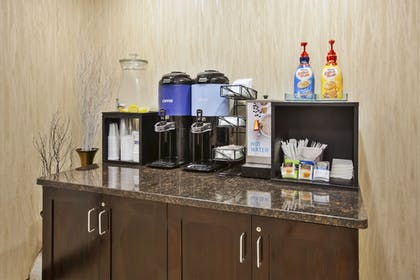 Restaurant | Holiday Inn Express & Suites Geneva Finger Lakes