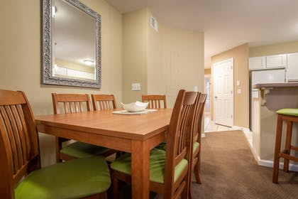 In-Room Dining   Carriage Place by Capital Vacations