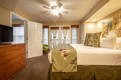 Guestroom   Carriage Place by Capital Vacations