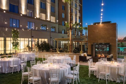 Outdoor Banquet Area | Courtyard Irvine Spectrum