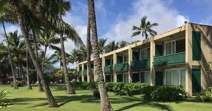 Property Grounds | Hotel Coral Reef