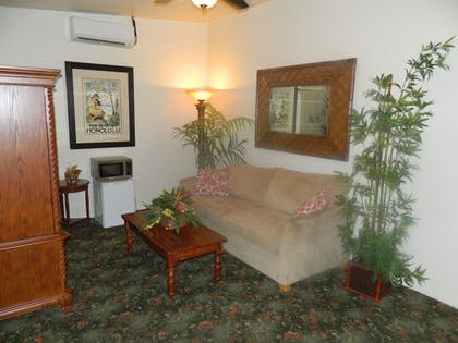 Living Area | Hotel Coral Reef