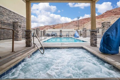 Pool | Comfort Suites Moab near Arches National Park