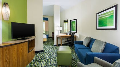 Living Room | Holiday Inn Express & Suites Midland South I-20