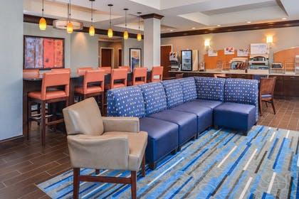 Restaurant | Holiday Inn Express & Suites York