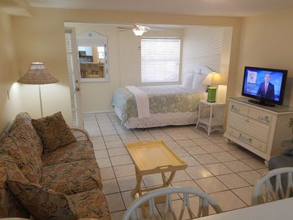 Living Area | Cedar Cove Resort and Cottages