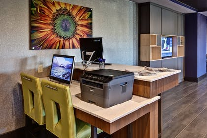 Hotel Interior | Holiday Inn Express Hutchinson