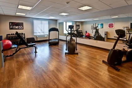 Fitness Facility | Holiday Inn Express Hutchinson