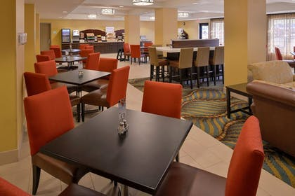 Restaurant   Holiday Inn Express & Suites Page