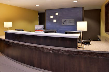 Lobby   Holiday Inn Express & Suites Page