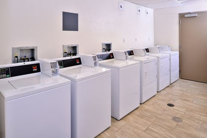 Laundry Room   Holiday Inn Express & Suites Page