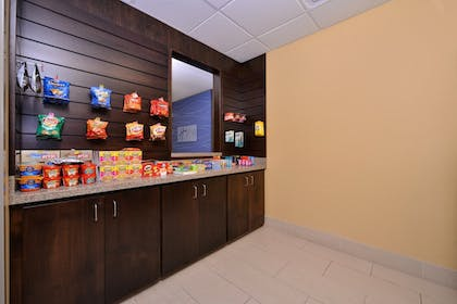Snack Bar   Holiday Inn Express & Suites Page