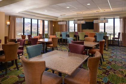 Restaurant | Holiday Inn Express & Suites Pocatello