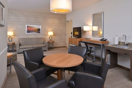 Guestroom | Holiday Inn Express & Suites Pocatello