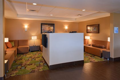 Lobby | Holiday Inn Express & Suites Pocatello