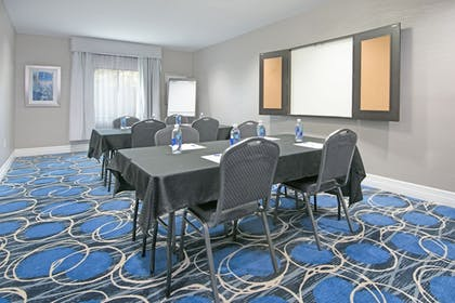 Meeting Facility | Holiday Inn Express & Suites Houston North - IAH Area