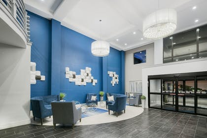 Interior Entrance | Holiday Inn Express & Suites Houston North - IAH Area