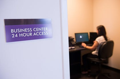 Business Center | The Bluemont Hotel