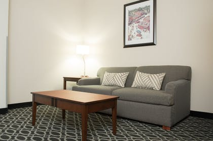 Guestroom | The Bluemont Hotel