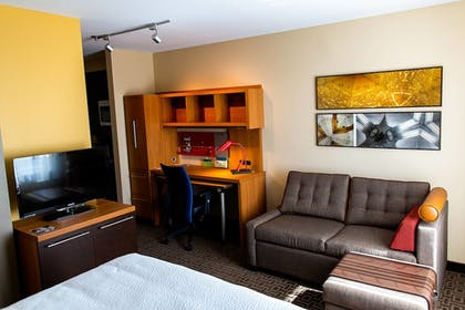 Guestroom | TownePlace Suites by Marriott Lancaster