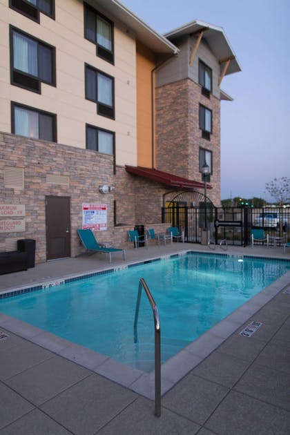 Sports Facility | TownePlace Suites by Marriott Lancaster