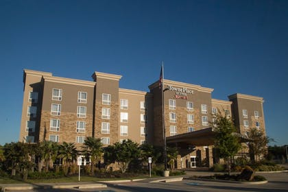 Hotel Front | TownePlace Suites Oxford