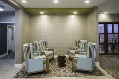 Lobby Sitting Area | TownePlace Suites Oxford