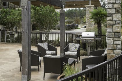 BBQ/Picnic Area | TownePlace Suites Oxford