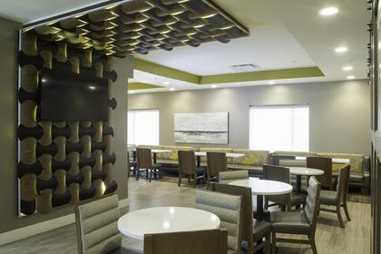 Restaurant | TownePlace Suites Oxford