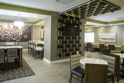 Hotel Bar | TownePlace Suites Oxford