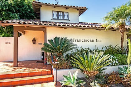 Hotel Front | Franciscan Inn & Suites