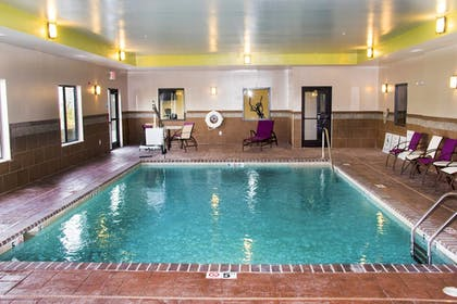 Pool | Holiday Inn Express & Suites Sikeston Southwest