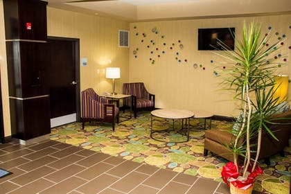 Interior | Holiday Inn Express & Suites Sikeston Southwest