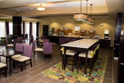 Restaurant | Holiday Inn Express & Suites Sikeston Southwest