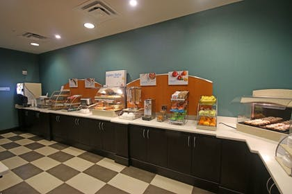 Restaurant | Holiday Inn Express & Suites Charlotte North